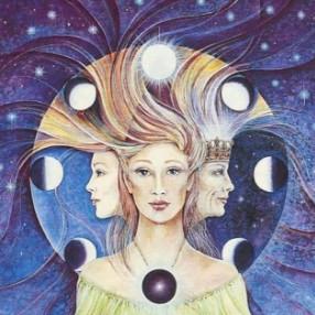 фазы луны и женщина
